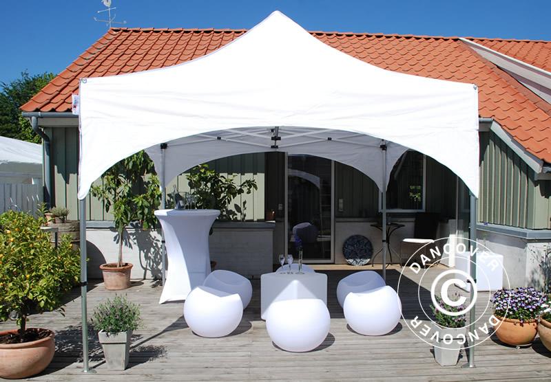 Carpa plegable FleXtents con un exclusivo estilo de tejado arqueado